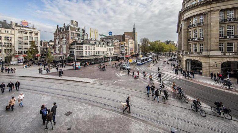 Досторимечательность Амстердама - площадь Leidseplein