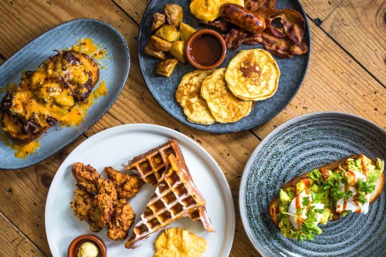 Лучшие места для завтрака в Амстердаме кафе Starting at Jacob