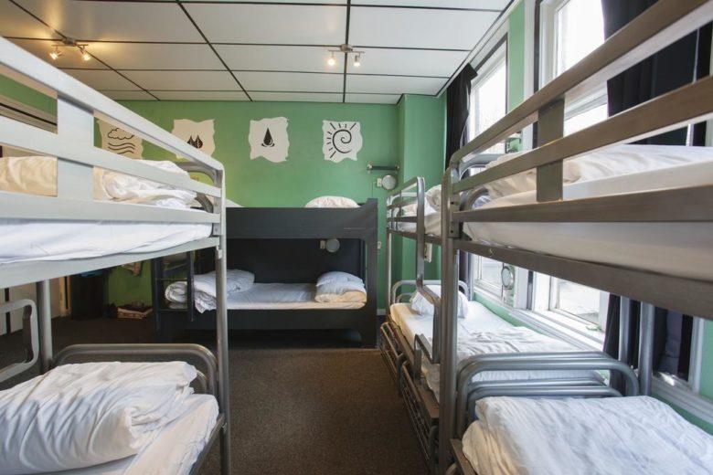 Хостелы с хорошими отзывами в Амстердаме