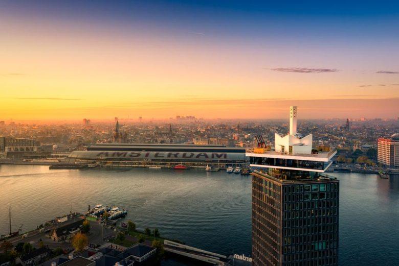 Отель в небоскребе с отличными отзывами Sir Adam Hotel