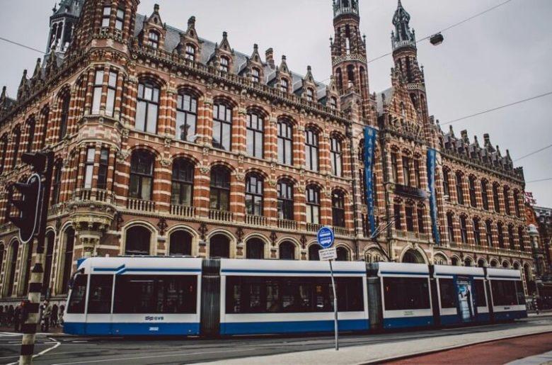 Транспорт в центре Амстердама