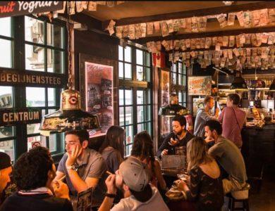 Кофешоп Бульдог в Амстердаме