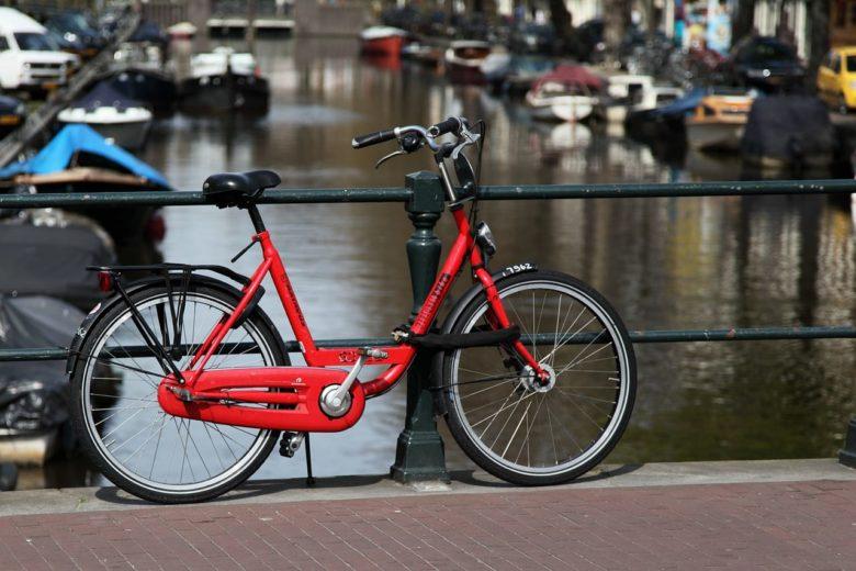 Воруют ли велосипеды в Амстердаме
