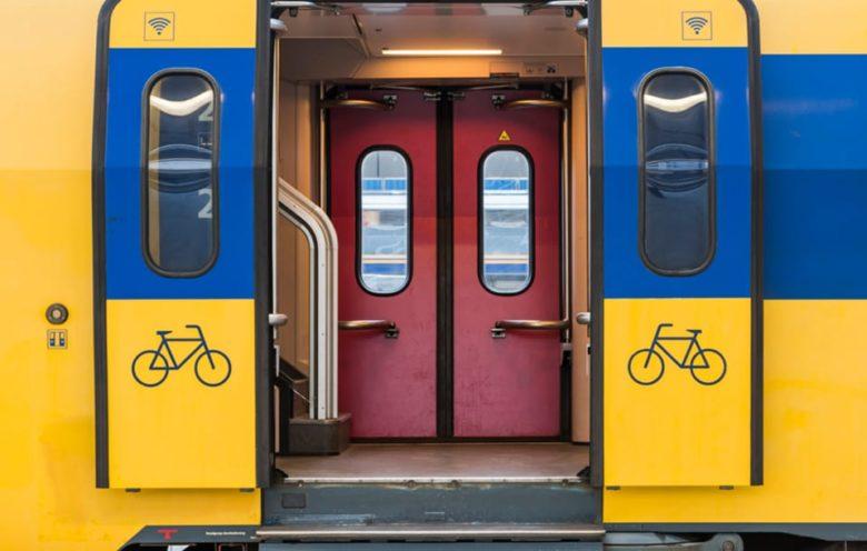 Провоз велосипеда в транспорте в Голландии