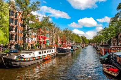 Амстердам в мае